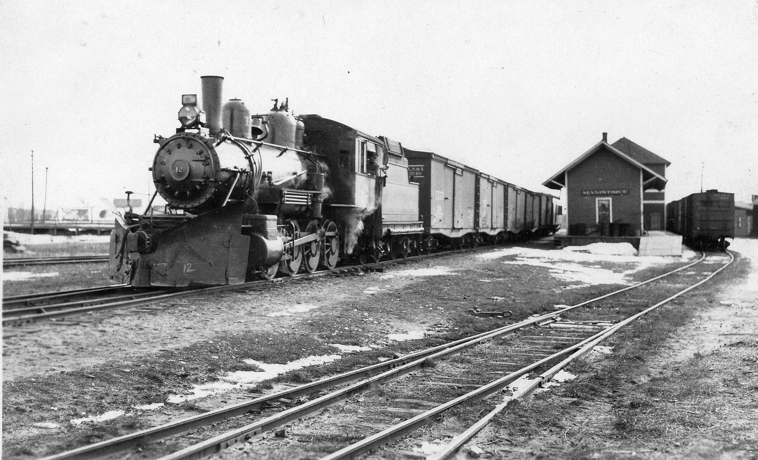 Engine No. 12, March 1932 Image. This locomotive was later renumbered 2370 and was destroyed in the roundhouse fire of 1952.  It was scrapped in 1953. (Niles/Helmka Family Collection)